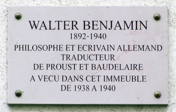 Walter_Benjamin_-_Plaque_commémorative_10_rue_Dombasle,_75015_Paris,_France