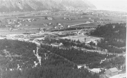 19424