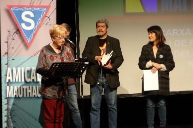 Rosa Toran, Vicepresidenta de l'Amical, proclama el fallo del II Premi Montserrat Roig