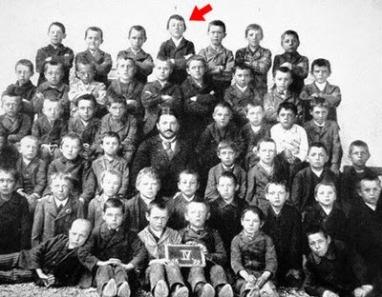 historico-hitler-escuela